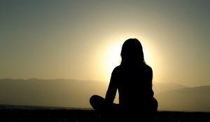 Sviluppare una mentalità commerciale e spirituale meditando
