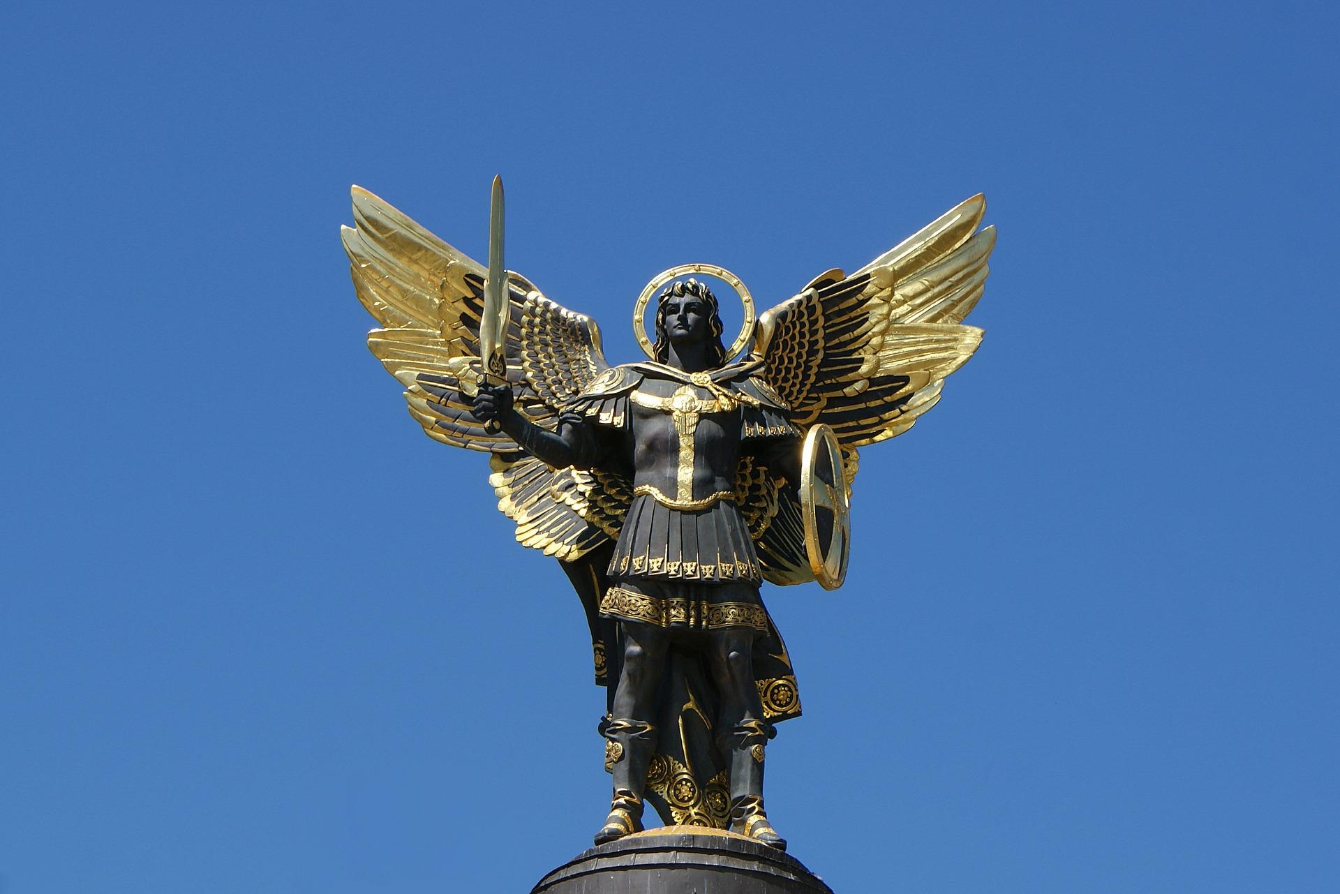 Statua del Santissimo Arcangelo Michele