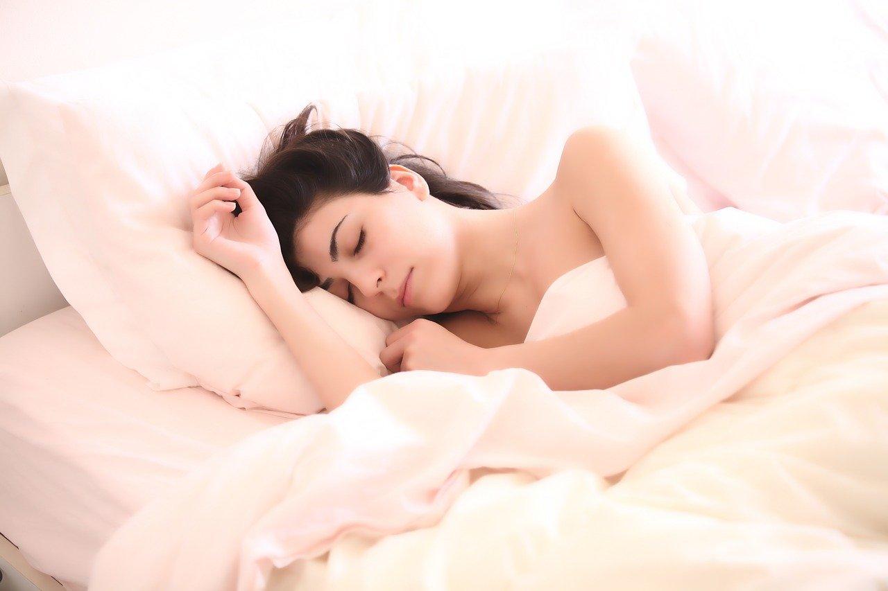 Per ricordare i sogni ci sono piccoli accorgimenti, ci sono piccoli trucchi, sia tecniche che anche ausili esterni